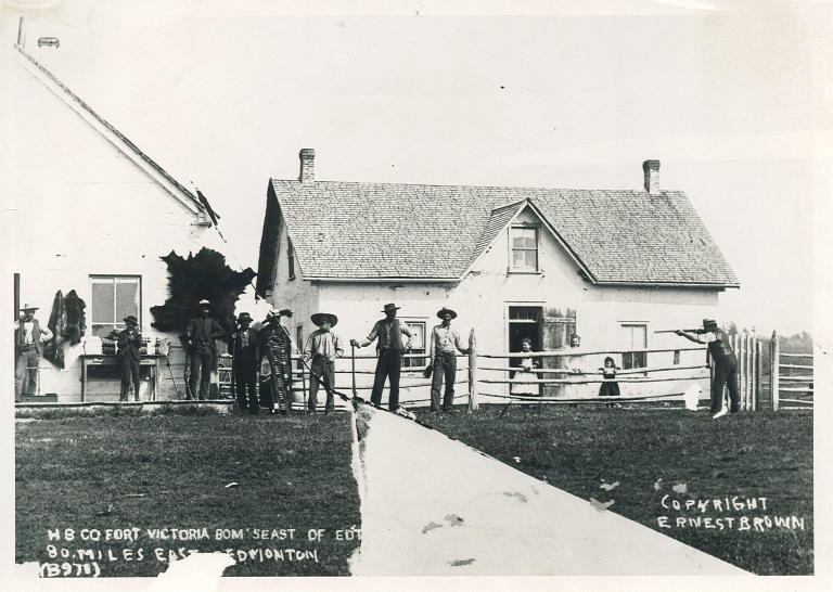 Clerk's quarters and trading shop at Fort Victoria, c. 1890. Provincial Archives of Alberta B.2406.