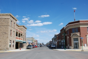 The Fort Macleod Provincial Historic Area (Queen's Hotel at left), 2010. DSC_1150, Historic Resources Management Branch