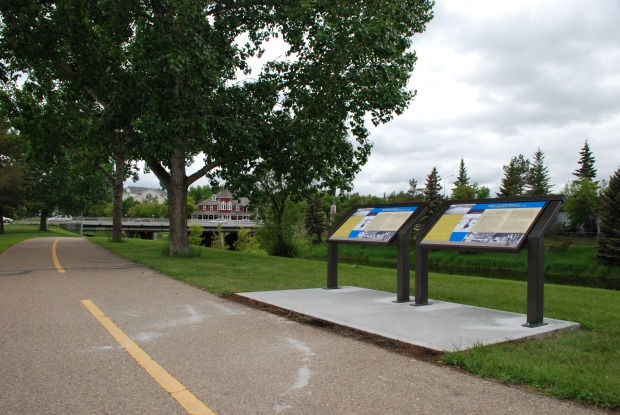 An image of the new heritage marker along the Sturgeon River.