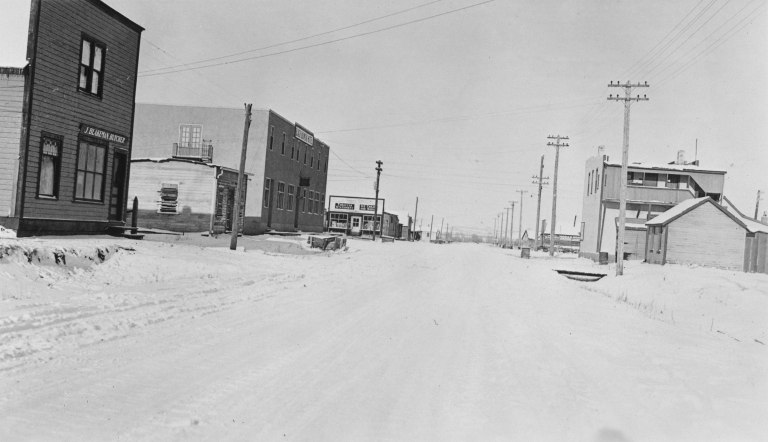 Commercial district of Black Diamond, January 1932. Although it Pre-existed the Turner Valley oil and gas discovery, Black Diamond grew rapidly to serve the burgeoning industry. (Provincial Archives of Alberta , A6999.)