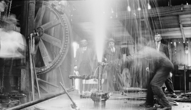 Turner Valley Discovery Well Blowing, 1914. (Provincial Archives of Alberta, P1883.)