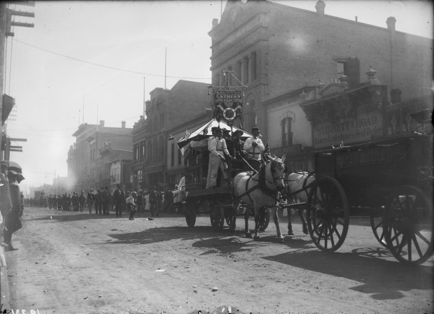 The Calgary Lathers' Union, Local 221, participating in an early twentieth-century Labour Day parade (ca. 1908). Courtesy of the Provincial Archives of Alberta, IR231