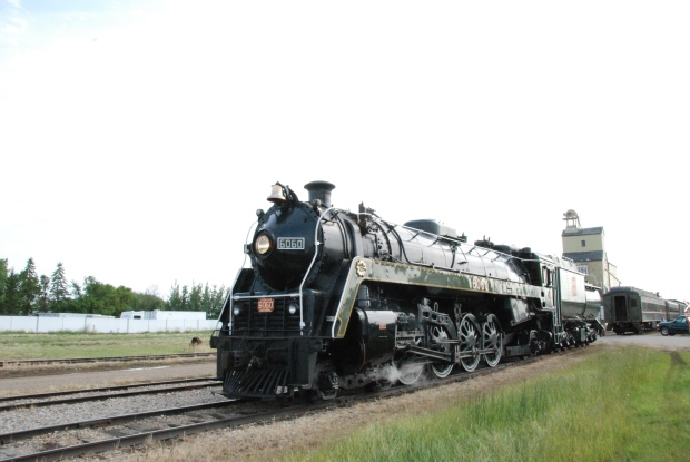 Canadian National Railways Steam Locomotive 6060 in Stettler (2009)