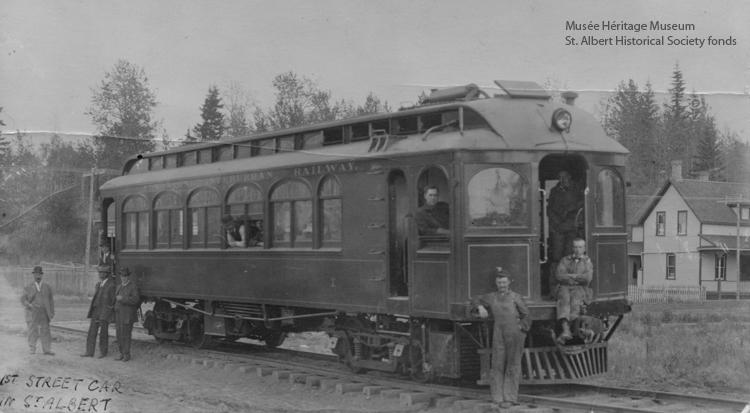 Interurban railway, ca. 1913-1915 (Musée Héritage Museum, St. Albert Historical Society fonds, 2003.01.795).