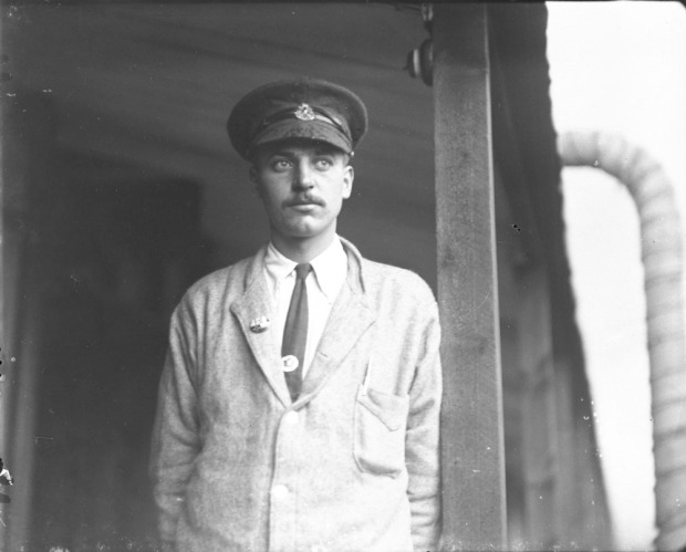 C. J. Kinross c. 1914-1919 (Credit: Canada Dept. of National Defence/Library and Archives Canada).