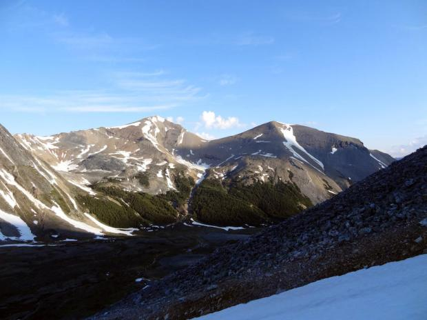 Mount Zengel on the right (Courtesy of Mountain Nerd on Summit Search).