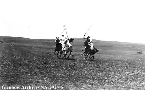 Polo players at Cochrane, Alberta, ca.1913 (Glenbow Archives, NA-2924-6).
