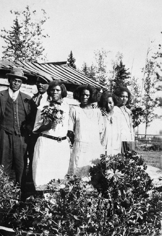 L-R: Thomas Mapp, Richard Hinton, Geneva Mapp, Eva Mapp, Ferris Mapp, Nouvella Hinton, an African American family from Amber Valley, Alberta, ca. 1925 (Glenbow Archives, NA-316-1).