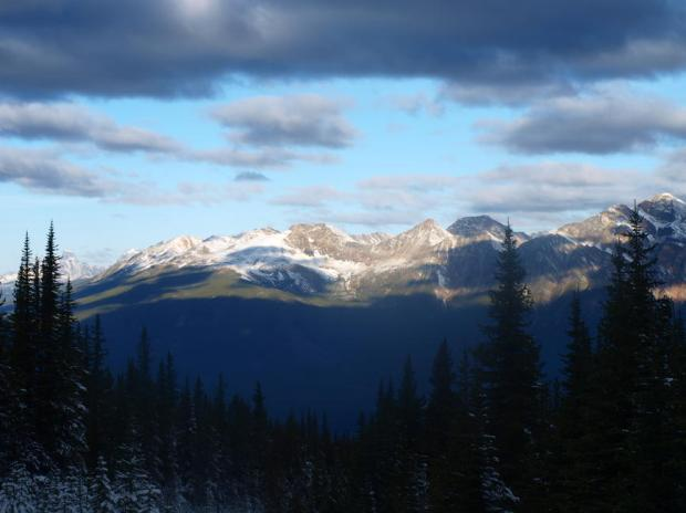 The Victoria Cross Ranges. Image courtesy of Steven Song on Summit Search.