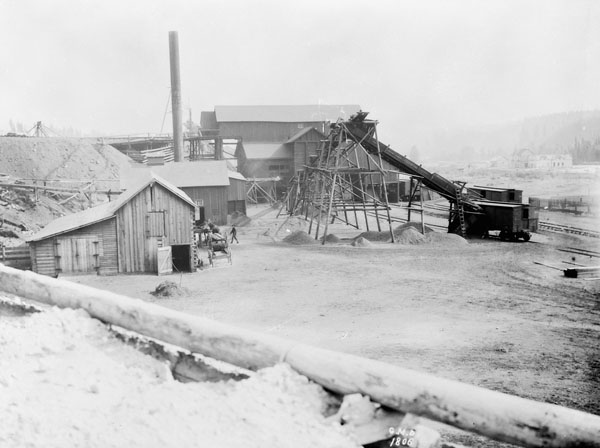 Coal Mine, Anthracite, AB, 1898. Source: Library and Archives Canada, MIKAN 3373389