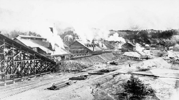 Bankhead Coal Mine, AB, 1906. Source: Library and Archives Canada, MIKAN 3302530
