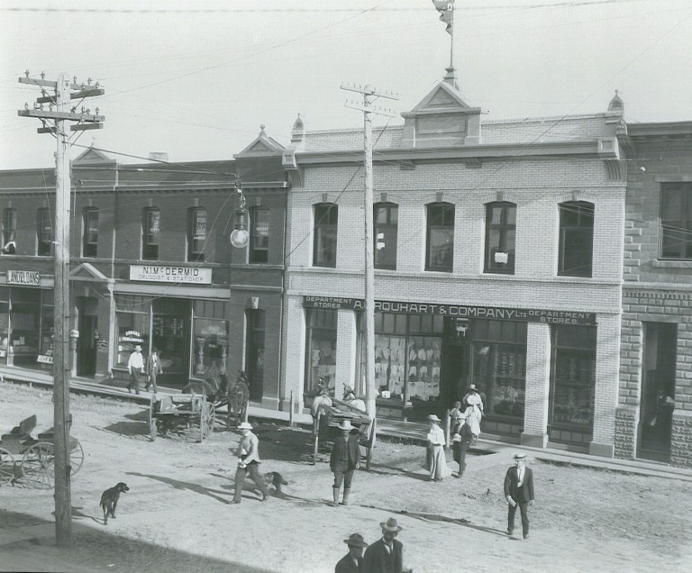 Urquhart and Co. Department Store (Kanngiesser Building), Lacombe, 1908. Source: Lacombe & District Historical Society