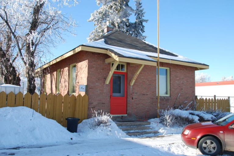 Alberta Government Telephones Exchange Building, Delburne. This standard plan building represents the role of the AGT in connecting people across Alberta, and fostering the development of the community.